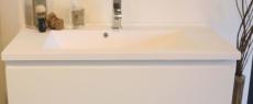 Hvid støbt marmorvask - 60 cm