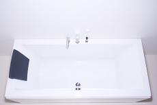 SEVILLA rektangulært badekar med armatur
